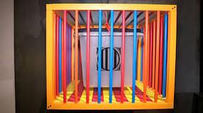 """""""55 urnes per la llibertat"""", exposició a la Zona Zero de l' IEI del 22/04/2021 fins al 27/06/2021"""