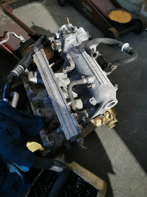 1992 to 1995 Civic Esi SOHC VTEC intake manifold complete with throttle body
