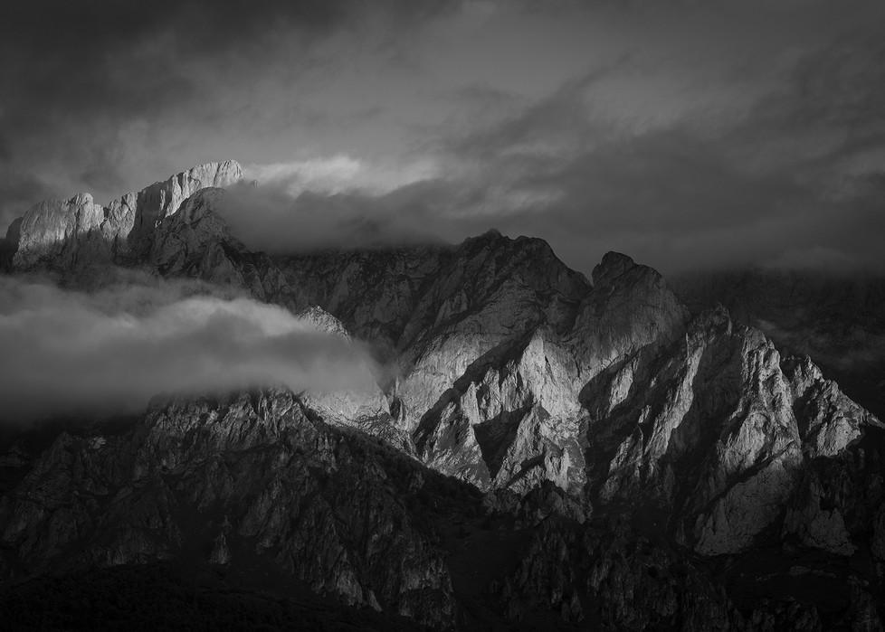 Picos dawn light.jpg