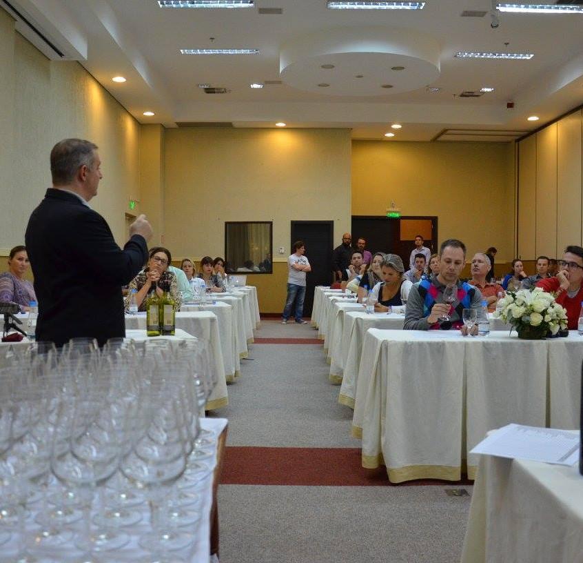 Aula de serviço do vinho