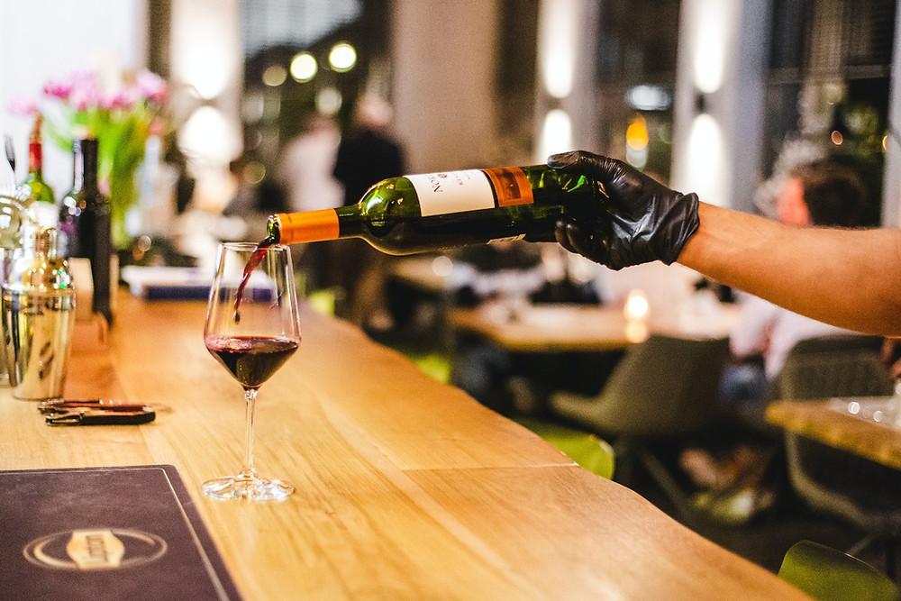 Consumo moderado e regular de vinho pode trazer benefícios para saúde