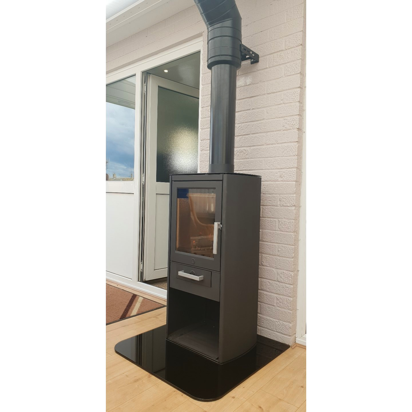 Twin Wall Flue & Glass Hearth