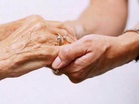 Alzheimer: Palestra em Florianópolis explica as funções dos profissionais que atuam como cuidadores