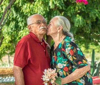 Alzheimer: Eternos namorados - conheça Izabel, paciente de Alzheimer que não esqueceu o companheiro