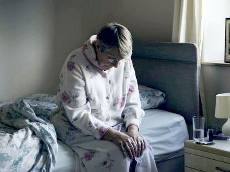 """Alzheimer: """"Não sabia o que fazer"""" - os desafios de quem cuida de pessoas com Alzheimer"""