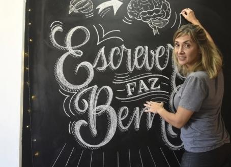 Alzheimer: Escrever à mão ajuda a ativar o cérebro