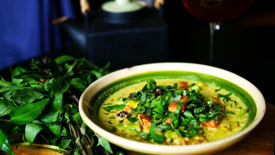 Tom Kha, soupe thaïlandaise au lait de coco et galanga, vegan !
