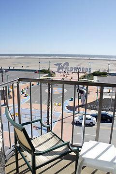 g-balcony.jpg