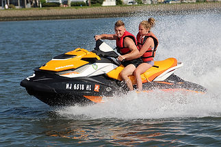 LakeviewDocks-Waverunner2.jpg