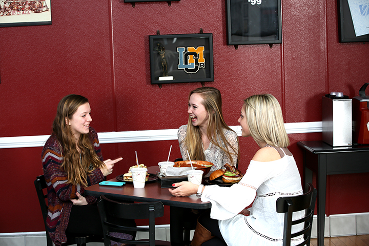 Alumni Grill customers1