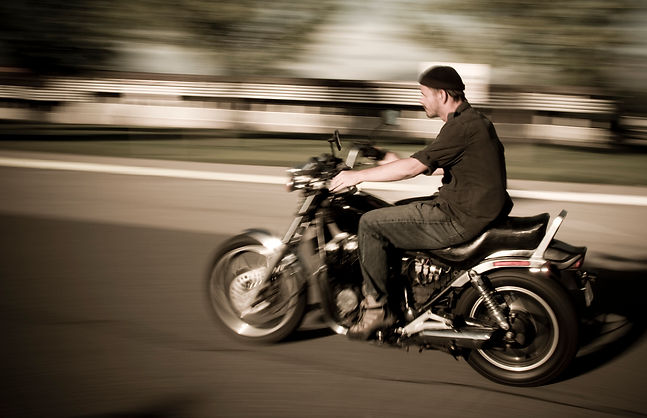 vecteezy_man-on-motorcycle_797521.jpg