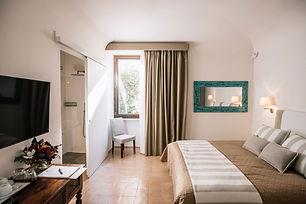 Room Grieg_GiardiniCalce_LuxuryRooms.jpg