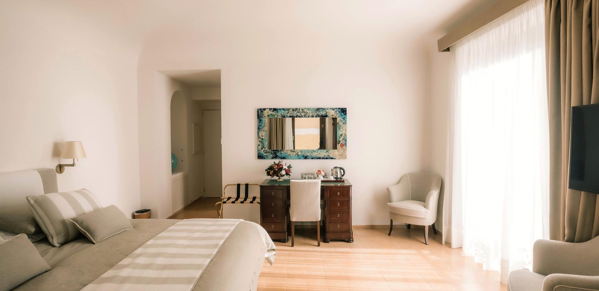 Room Escher_02 Giardini Calce_LuxuryRoom