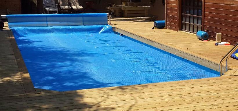 כיסוי סולארי לבריכה ביתית