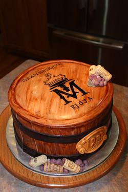 707366rVCy_wine-barrel-anniversary-cake_900