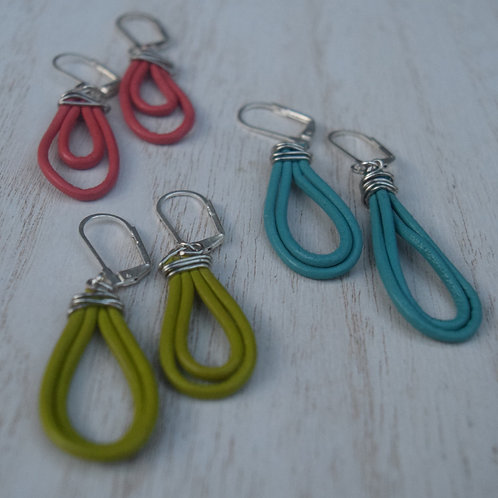 Loop The Leather Earrings
