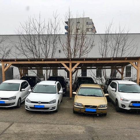 Varázs Garázs Autókozmetika parkoló