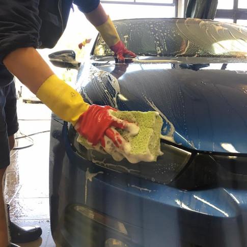 Varázs Garázs Autókozmetika autómosás