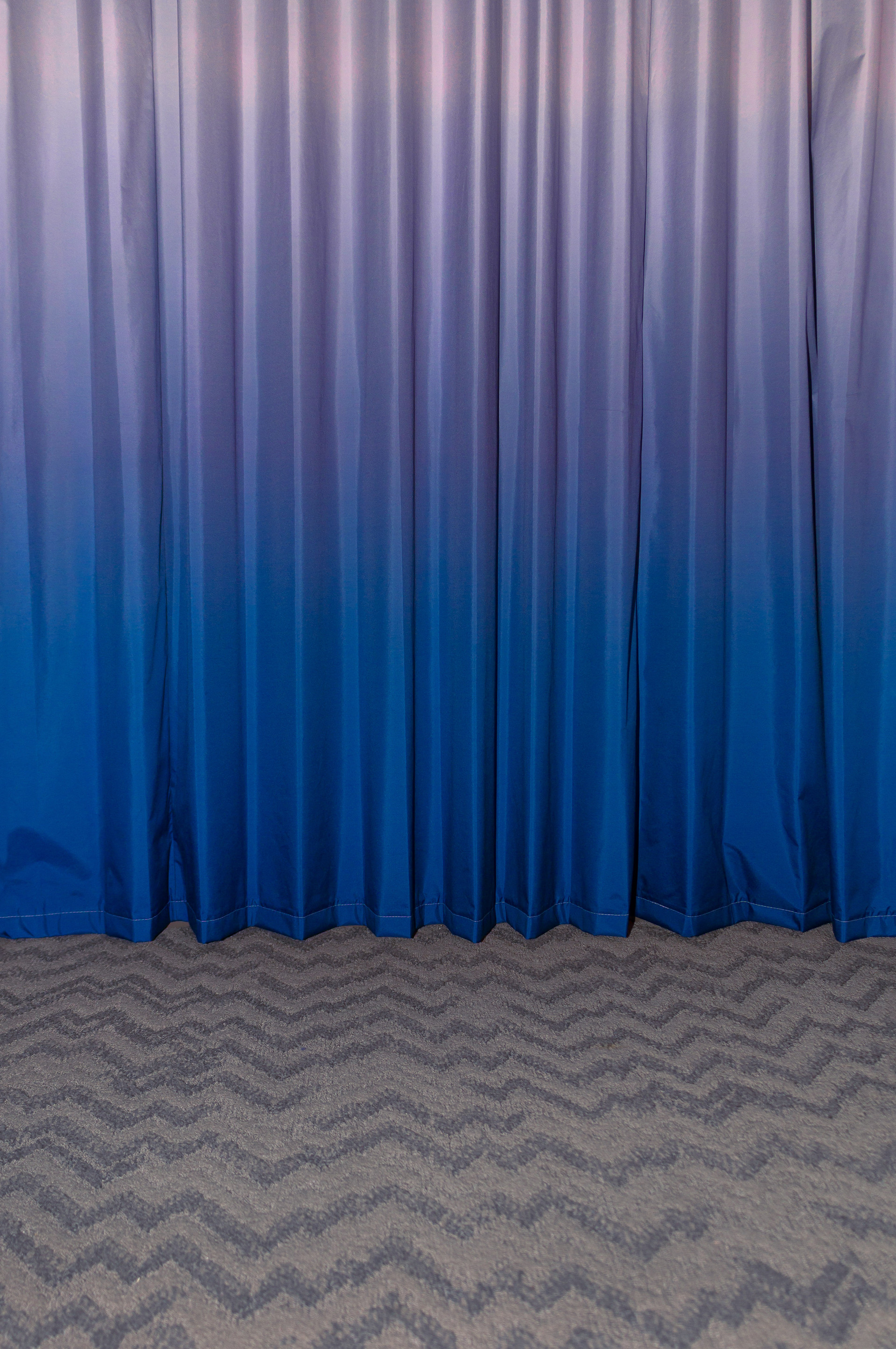 Remodel (gradient curtain)