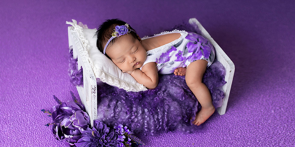 In-Home Newborn Photos | Amber Theresa Photography | Vancouver, Burnaby, Richmond, Surrey