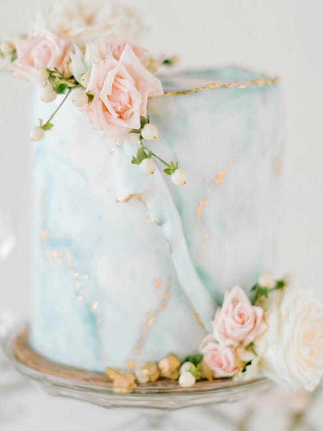 Deckled Edge Wedding Cake