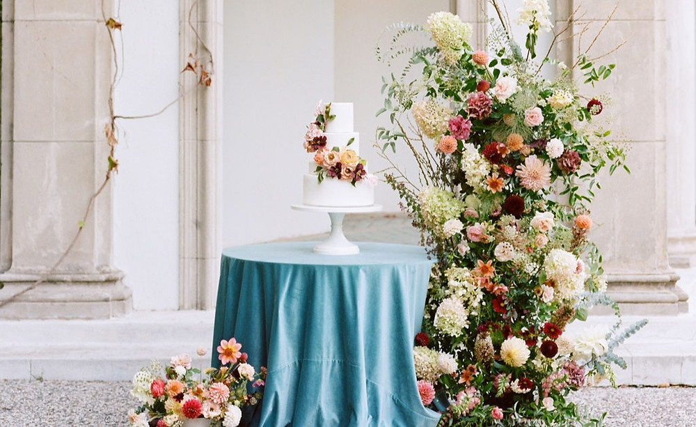 Micro Wedding Cake with Sugar Flowers and Floral Installation. Photo credit: Adriana Klas Photography