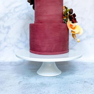 "12"" White Pedestal Cake Stand"