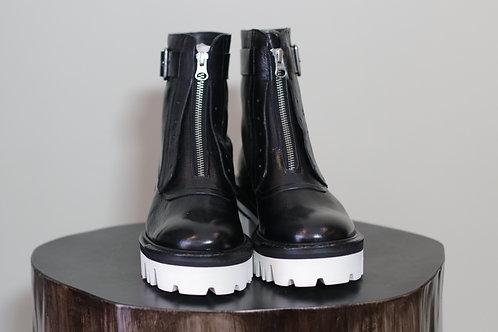 W20 Import Kimo Black Boot