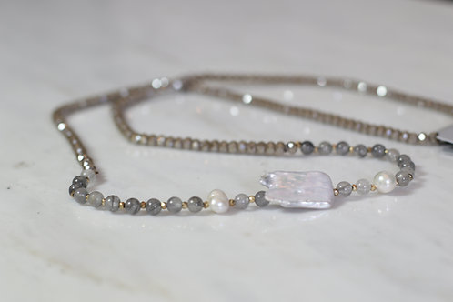 W20 Shell Crystal Necklace Nude