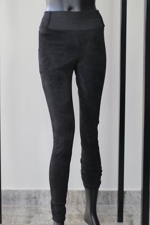 W20 Import Daria Black Pant
