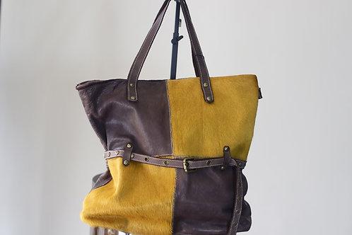 W19 Import 894 Tan/Choc Leather Bag