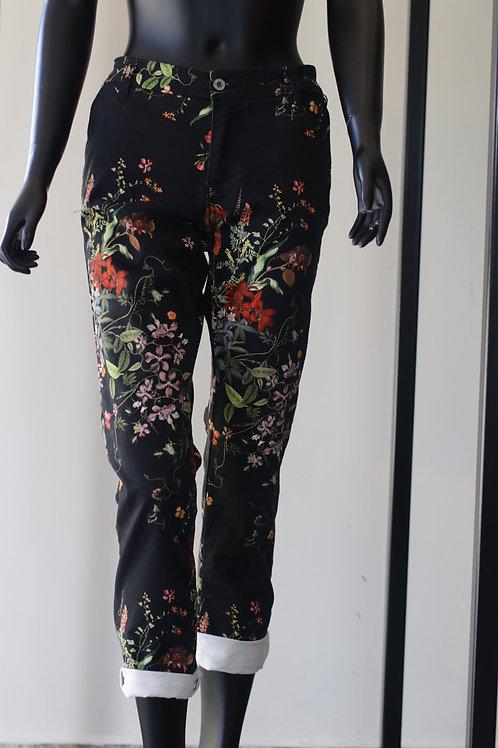 W20 Import Blk Print Jean
