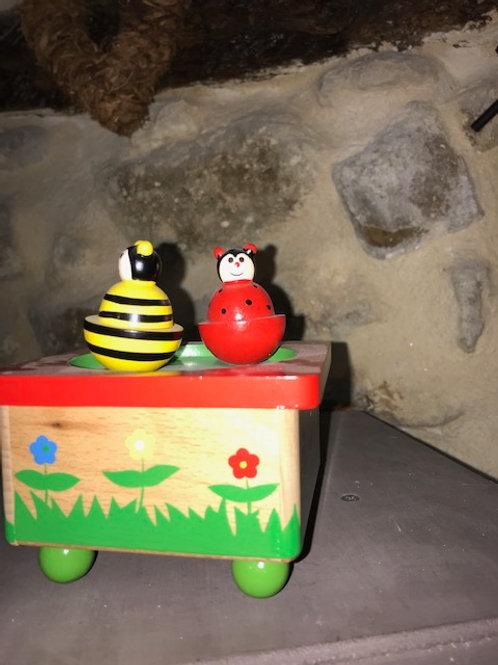 Boîte à musique abeille et coccinelle