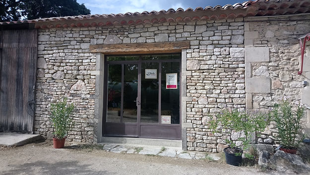 Devanture de la boutique E-toile (La Garde-Adhémar, 26700)