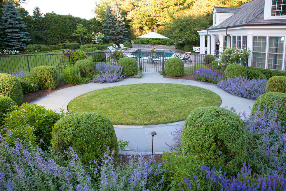New Canaan Classic Courtyard