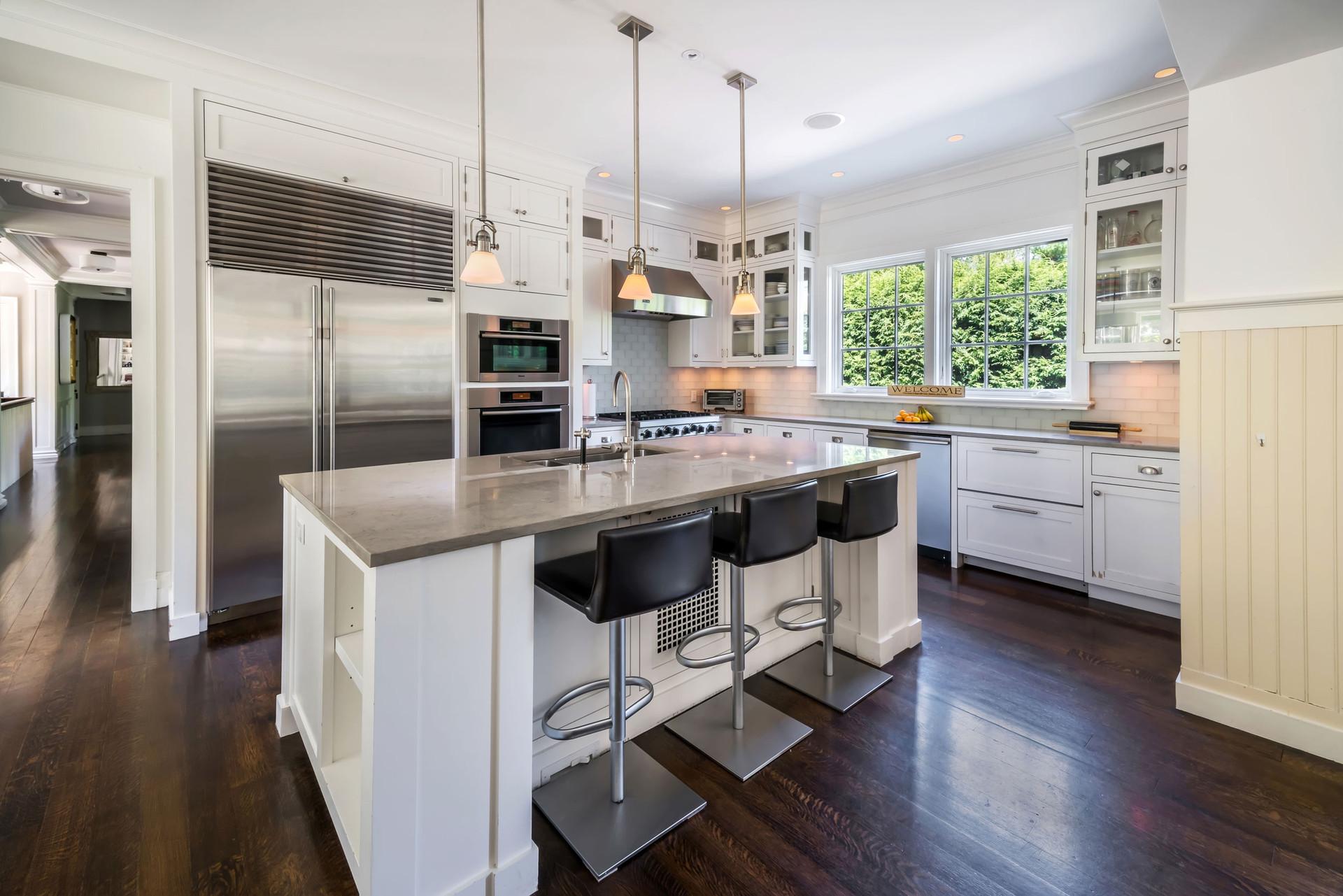 Riverside Colonial Kitchen