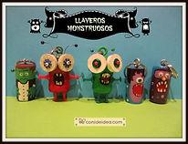 Llaveros monstruosos con tapones