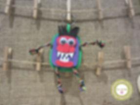 Llavero monstruo de goma eva