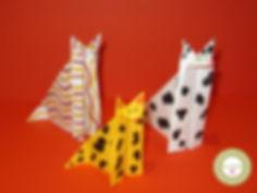 Gatos de papiroflexia
