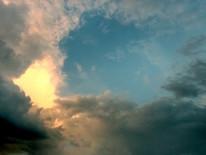 observas as nuvens