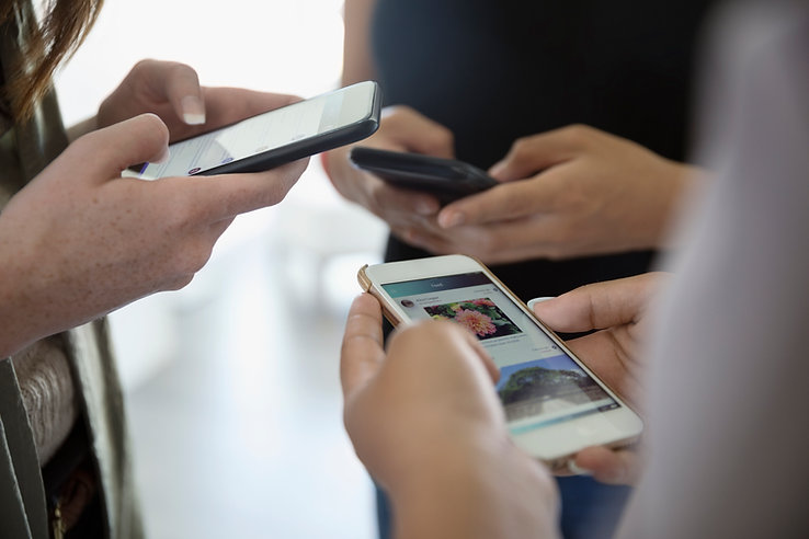 People on social media, help with Facebook, Instagram, Twitter, LinkedIn, safe on social media