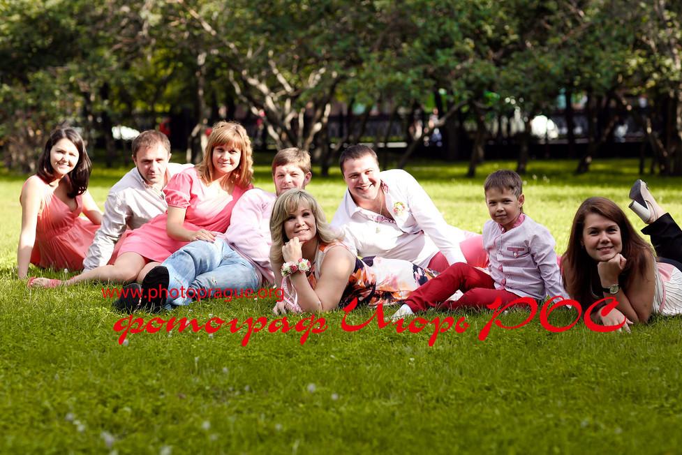 Семейная фотосессия, возле Оперного Театра в Новосибирске.