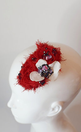 Red and white flowers glam hairclip / brooch
