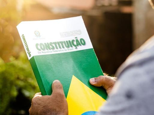 As quatro linhas da Constituição