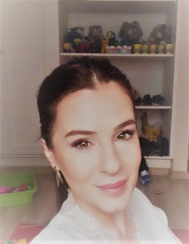 İzmir Çocuk Psikoloğu Şölen İNCE Uzman Psikolog Oyun Terapisti