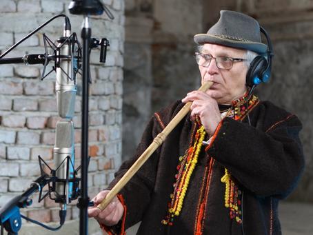 Запис звуків давніх інструментів в синагозі Жовкви для аудіофільму