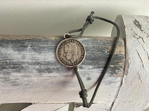 Spanische Münze mit Armband