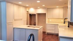 Kitchen cabinet crown installation