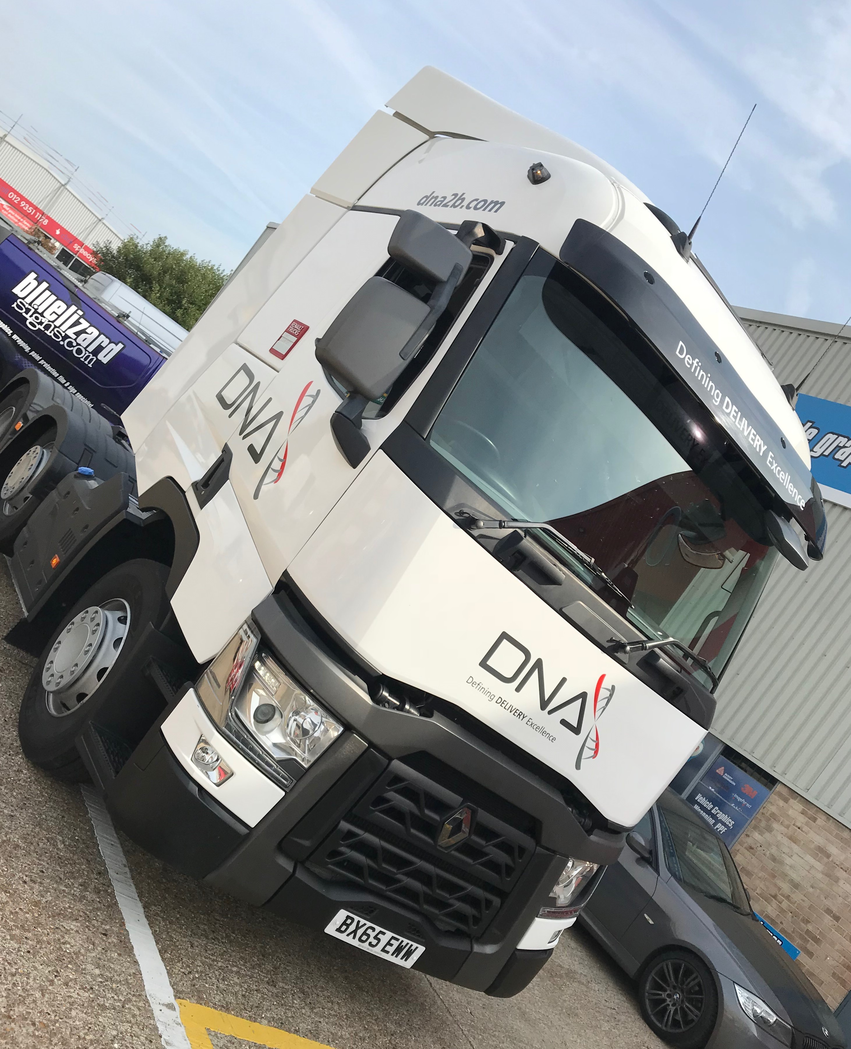 DNA RENAULT TRACTOR UNIT
