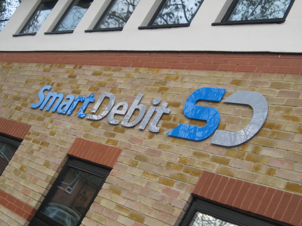 smart-debit-acrylic-text